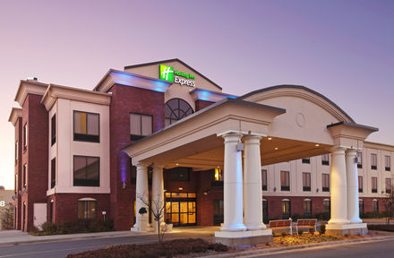 Holiday Inn Express Suites - Pinesmall